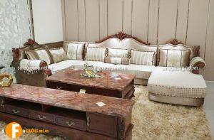 Bề mặt ghế sofa cổ điển bằng chất liệu da nhập khẩu cao cấp